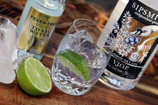 VJOP Gin and Tonic